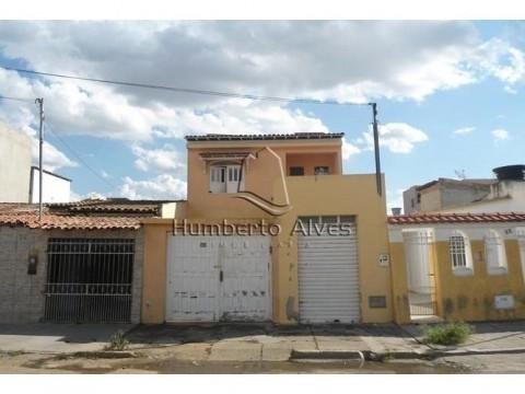 Casa com Ponto Comercial no bairro Brasil