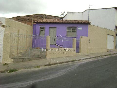 Casa próxima a Pça Sá Barreto