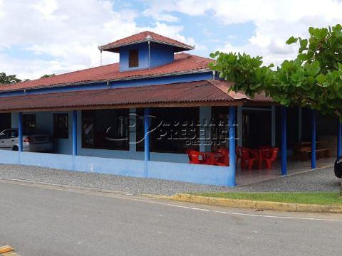 Casa Residencial + Área Comercial