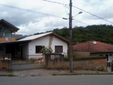 Casa dividida em 4 Locações - São Luís, Jaraguá do Sul