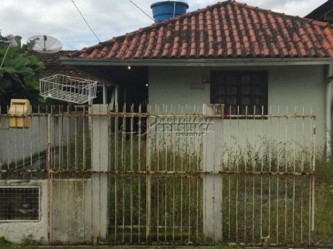 Casa Geminada - 2 Dormitórios, Itacolomi, Piçarras/SC.