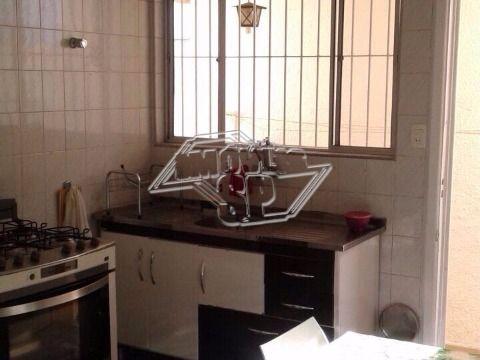 Casa térrea com 2 quartos e 1 vaga na Lapa de Baixo