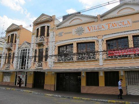 Salão comercial na rua Treze de Maio (prédio do Vila Tavola)