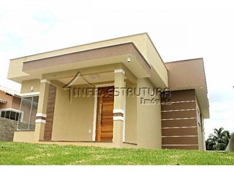 Casa 1° locação condomínio fechado
