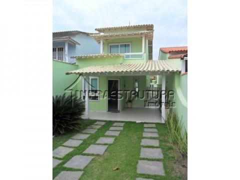 Casa de praia com piscina duplex maravilhosa por R$435.000,00