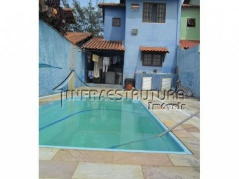 Casa com piscina á 20 metros da praia