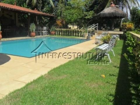 Mini sítio Em Maricá - RJ  com piscina, hidro, sauna, campo e área gourmet. 1o minutos da praia