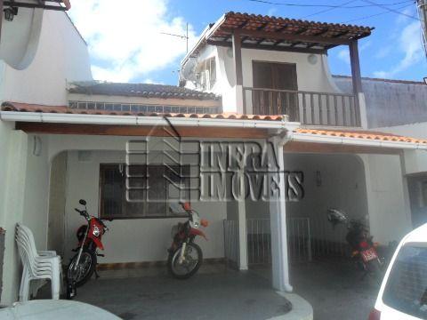 Casa no Centro de Maricá, condomínio fechado com piscina