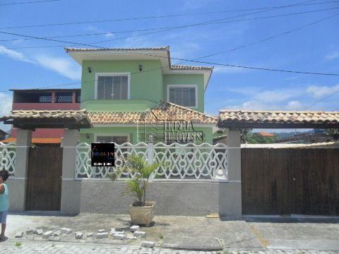 Oportunidade! Casa com Piscina em Condomínio Fechado