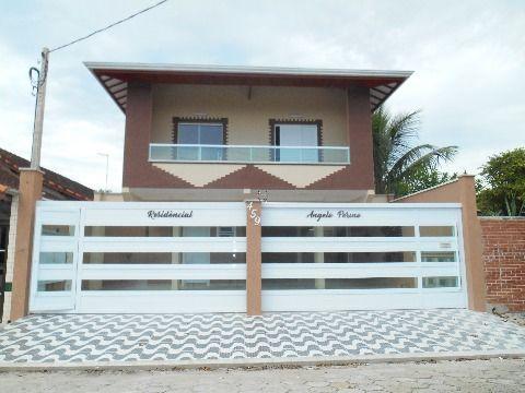 Casa de Condomínio localizada no bairro Maracanã - Praia Grande/SP