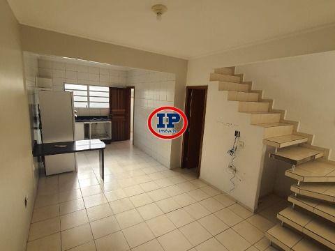 Casa Sobreposta em Maracanã - Praia Grande