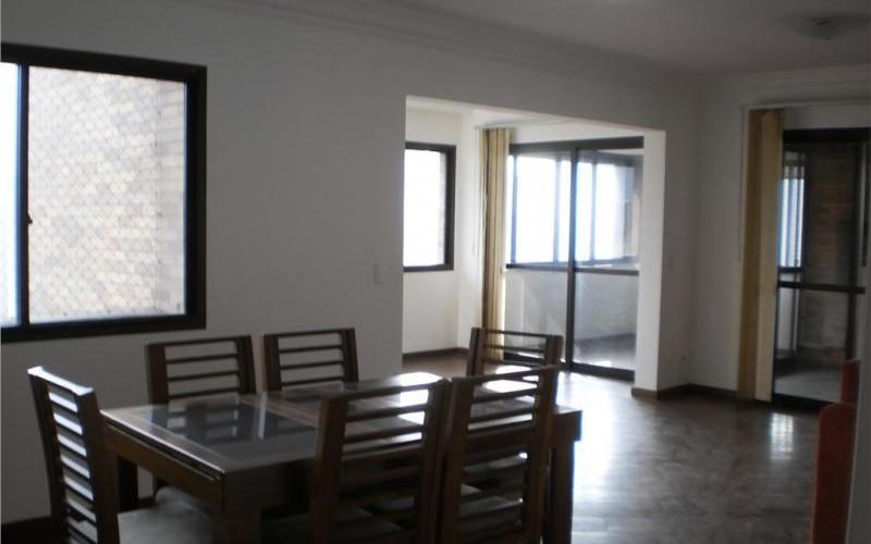 Oportunidade Única. Lindo apartamento com 04 suites, 01 por andar, varanda gourmet com jacuzzi, à venda, Morumbi, São Paulo