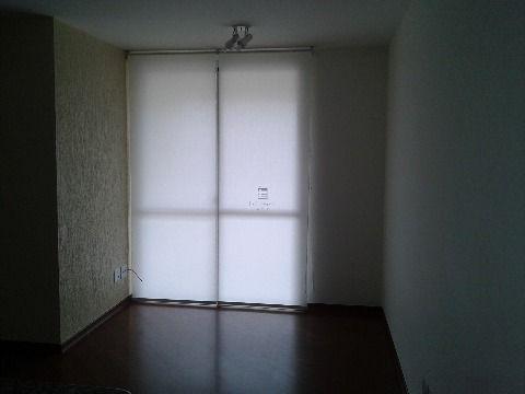 Apartamento novo semi-mobiliado para locação