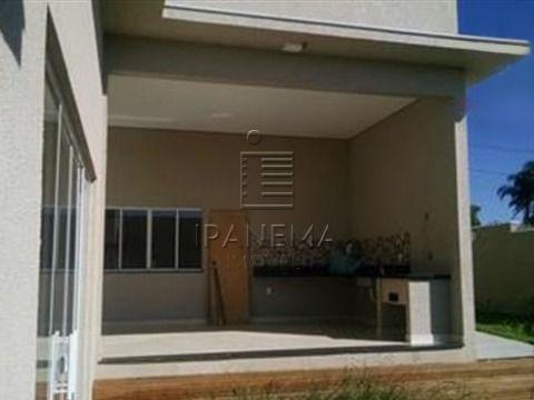 Casa Nova em Condominio Fechado situada em estancia climática