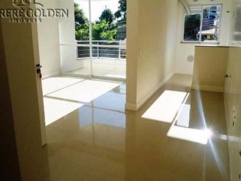 Apartamento de alto padrão a apenas 200 metros da Praia de Jurerê, Florianópolis!!!