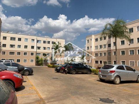 Apartamento térreo com área privativa