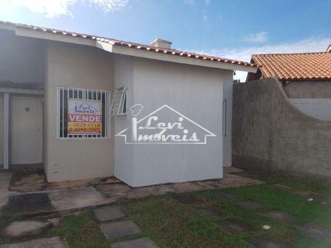 Casa no condominio Flores da Serra, 3 quartos