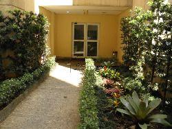 (1) jardim e entrada interna.JPG