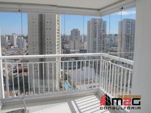 Apartamento muito bem localizado na Vila Romana com vaga de garagem.