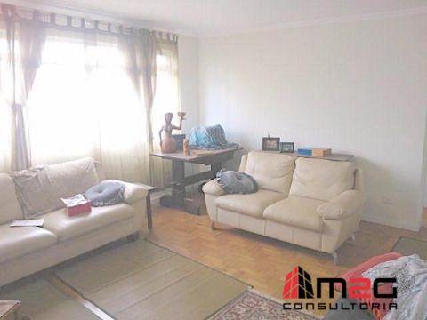 Apartamento de 2 Dormitórios com 1 Vaga no Sumaré - Oportunidade.