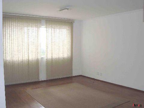 Apartamento de 103m2 no Alto da Lapa com vaga de garagem.