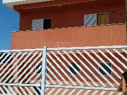 Excelente casa de condominio, com apenas 03 casas no condominio, vaga de garagem livre, casa nova, ampla com sacada nos quartos, excelente localiza...