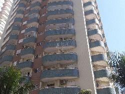 Lindo apartamento com duas sacadas próximo ao mar com area de lazer completa.