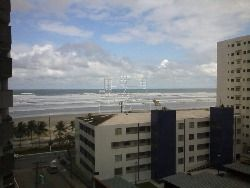 apartamento muito bom , pertinho da praia , e próximo a comércios .