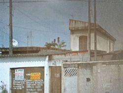 são  duas casas no mesmo terreno , garagem para  6  carros , fica na terceira zona , bairro Ribeirópolis Praia Grande -SP ,   o terreno  e  10  x 2...