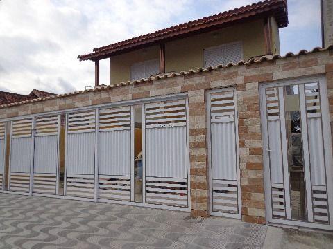 Casa Sobreposta em Condominio