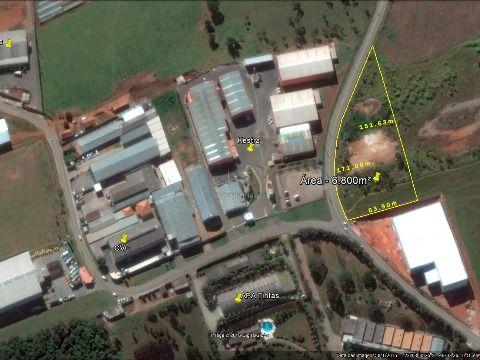 Excelente área industrial com ótima localização em Atibaia