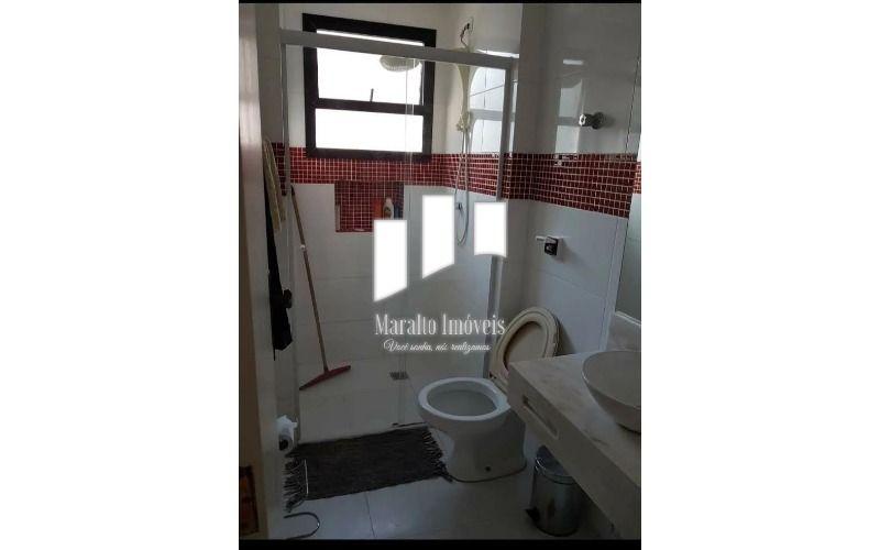 12 Banheiro 2.webp