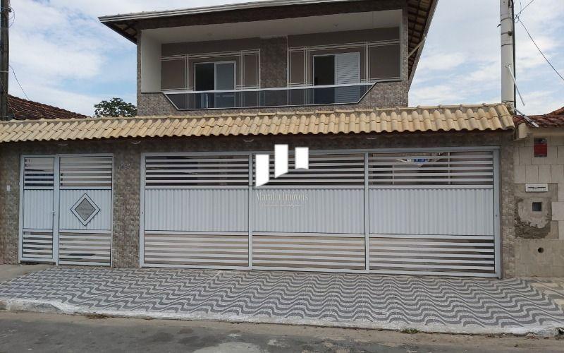 Lindo sobrado de 2 dormitórios no Balneário Maracanã em Praia Grande SP.