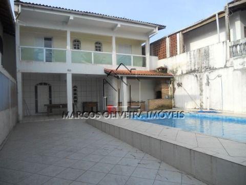 Casa 3 dormitórios piscina