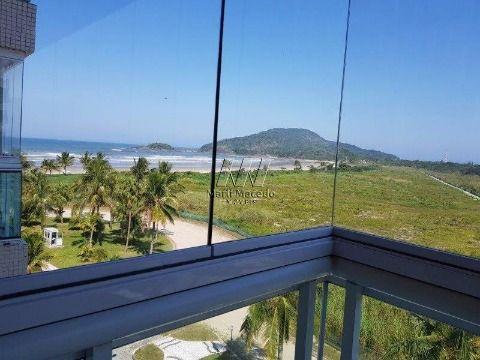 Apartamento pé na areia com vista do mar