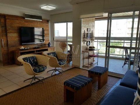 Apartamento pé na areia com 144 m²
