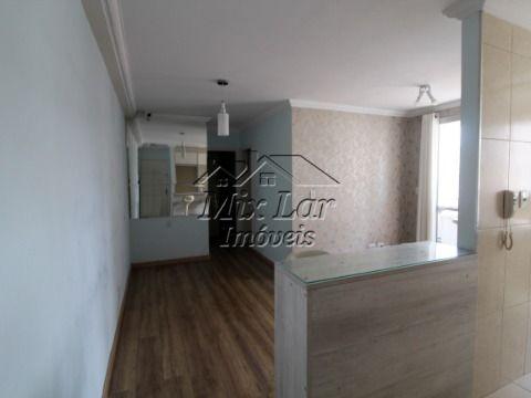 REF: 166804 Apartamento com 2 dormitórios, sala, cozinha e banheiro, com uma vaga de garagem