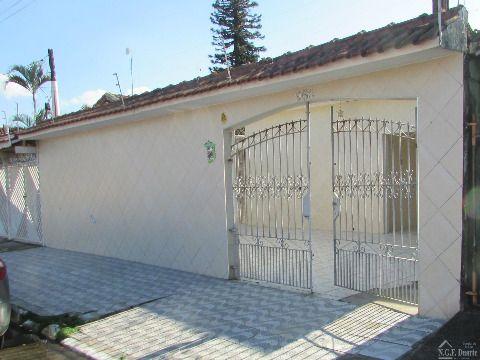casa isolada 3 dormitórios sendo 1 suite no Maracanã