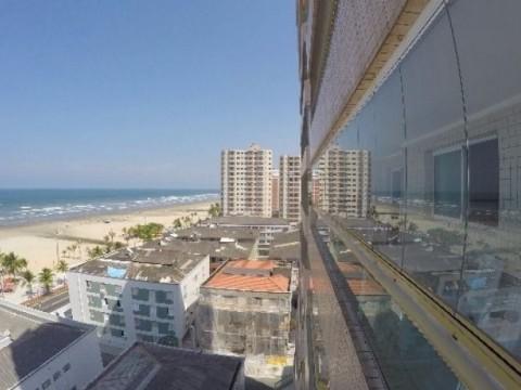 Apartamento de 3 dormitórios na Vila Tupi vista total da praia.