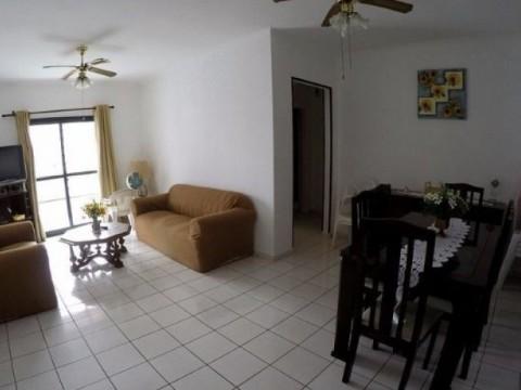 Apartamento com sacada e dois dormitórios! AP2638
