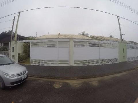 Casa de 03 dormitórios e 03 suíte em Praia Grande