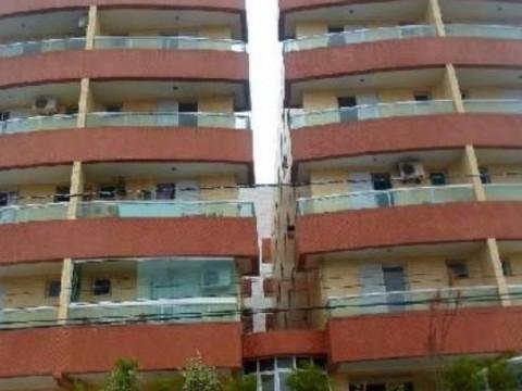 Apartamento em Praia Grande 2 dormitórios com sacada.