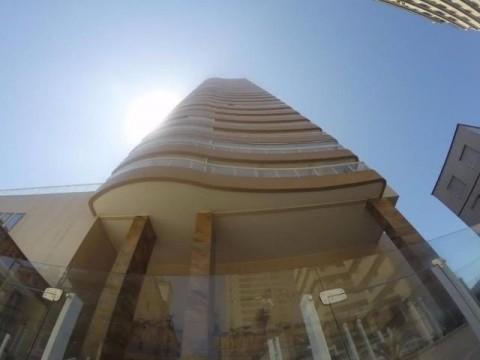 Apartamento em Praia Grande, 3 suítes com sacada e sacada com churrasqueira.