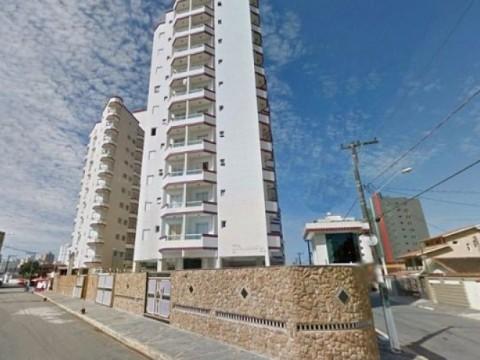 Apartamento a 100 metros do mar em Praia Grande.