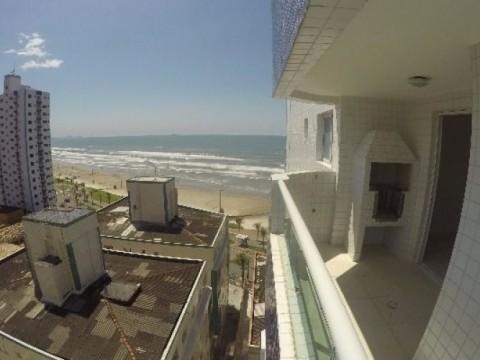 Lindo apartamento 1 dormitorio em frente a Praia