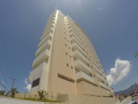 Lindo apartamento novo  em frente a praia com 03 dormitorios,01 suite
