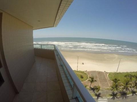 Lindo Apartamento em frente a Praia com 02 dormitorios sendo 01 suite