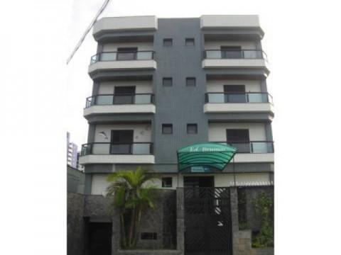 Apartamento em Praia Grande, 2 dom, sacada, bem localizado.