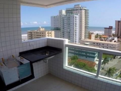 Apartamento de 2 dormitórios com churrasqueira e vista para o mar !