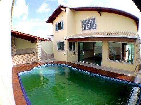 Casa á venda 04 dormitórios em Praia Grande